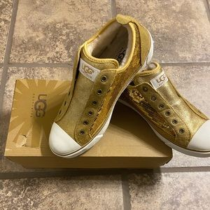 UGG GOLD SEQUIN SHOES SZ 8 NEW